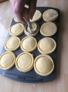 Sealing Mince Pies